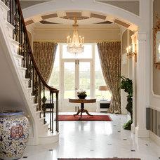 Traditional Hall by Jamie Hempsall Ltd