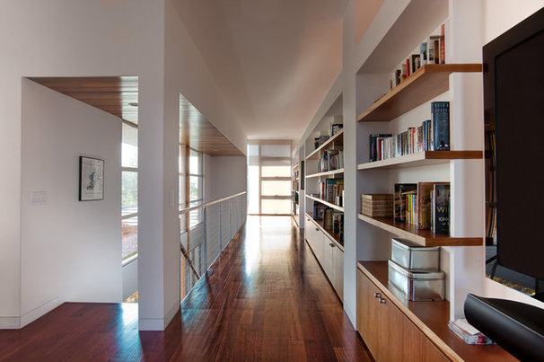 Modern Hall by GDC Construction