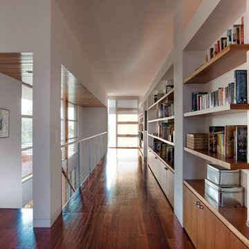 Creating a Modern Residence with Clean Lines