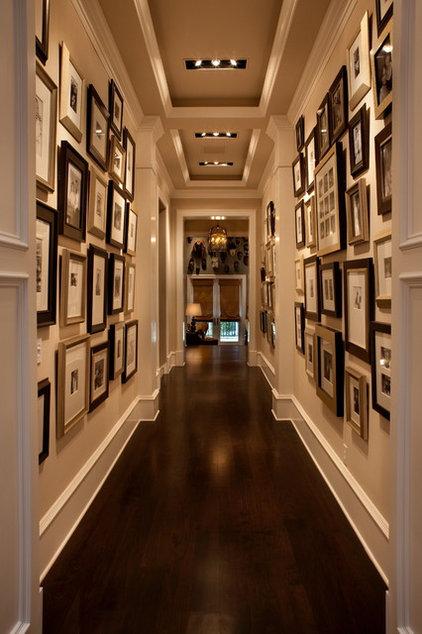 Transitional Hall by Osprey Custom Homes