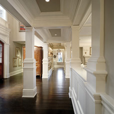 Traditional Hall by Robert A. Cardello Architects