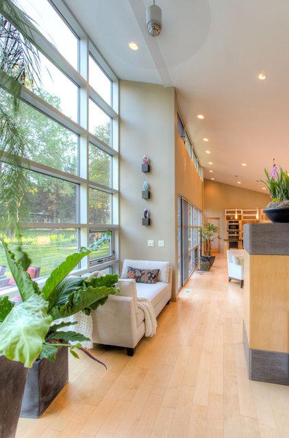 Modern Hall by Genesis Architecture, LLC.