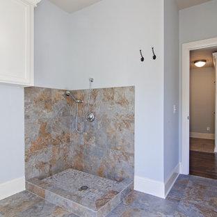 Hallway - traditional hallway idea in Minneapolis