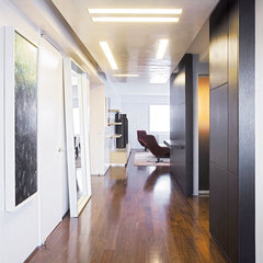 contemporary hall by Axis Mundi