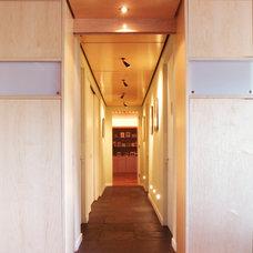 Modern Hall by Eisner Design LLC