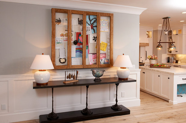 Eclectic Hall by Intimate Living Interiors