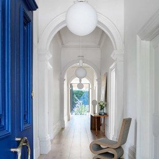 メルボルンのコンテンポラリースタイルのおしゃれな廊下の写真