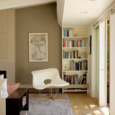 Hallway - modern hallway idea in San Francisco