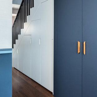 Пример оригинального дизайна интерьера: коридор в современном стиле