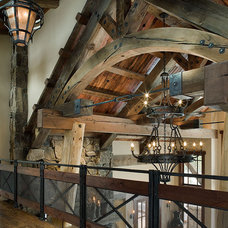 Traditional Hall by Teton Heritage Builders