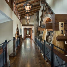 Traditional Hall by Montana Reclaimed Lumber Co.