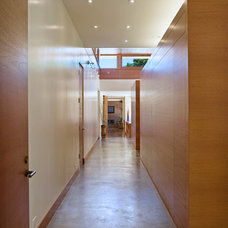 Contemporary Hall by William Duff Architects, Inc.