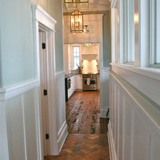Traditional Hall by Jarrett Design, LLC