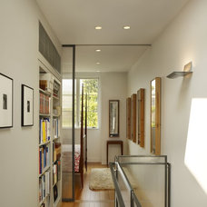 Transitional Hall by Rasmussen / Su Architects