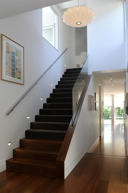 Contemporary Hall by VMDesign