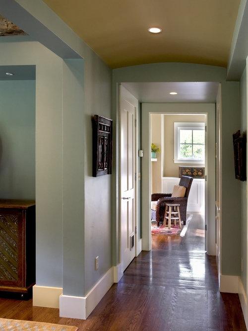 Landhausstil flur mit blauer wandfarbe ideen design - Landhausstil wandfarbe ...
