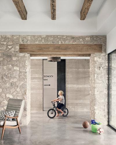 Casa de campo Recibidor y pasillo by Shiflet Group Architects