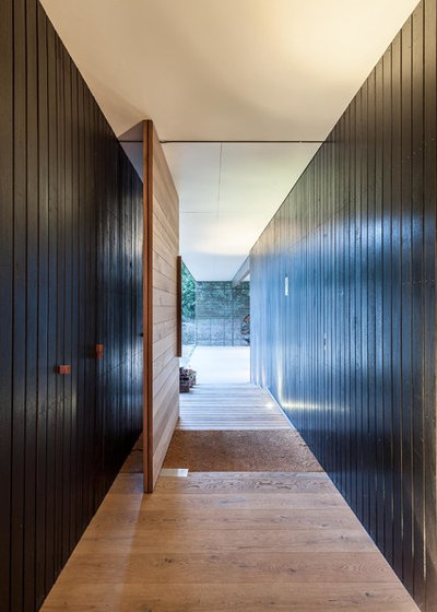Contemporary Hall by Urban Angles