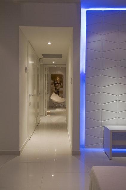 Modern Hall by FORMA Design