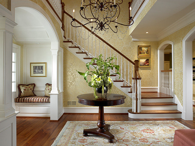Traditional Hall by FAVA DESIGN GROUP