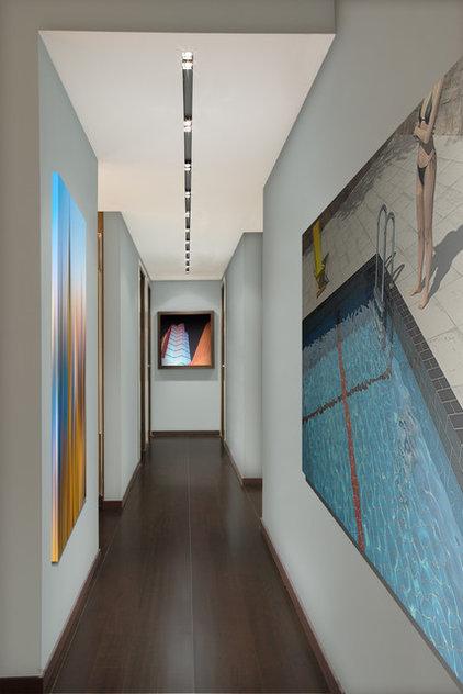 Contemporary Hall by Nieto Design Group