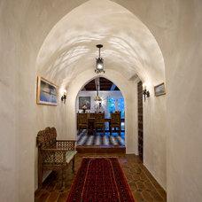 Mediterranean Hall by Solum Builders Group