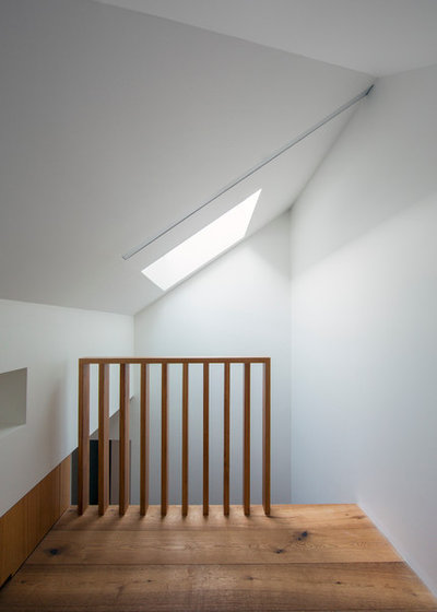 Contemporain Couloir by Nobbs Radford Architects