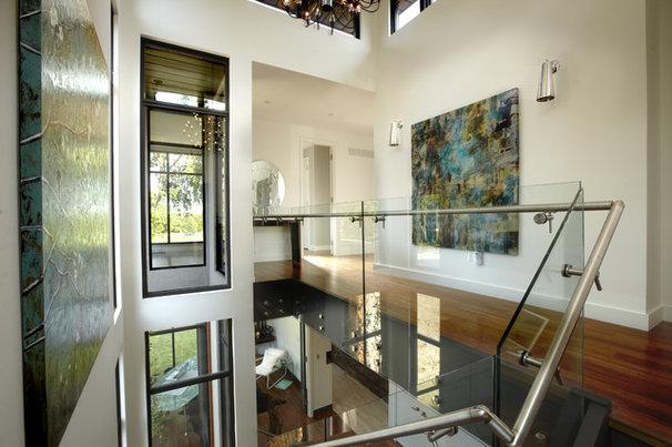 Modern Staircase by En2 Development Corp