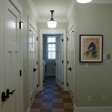 Traditional Hall by Thelen Total Construction