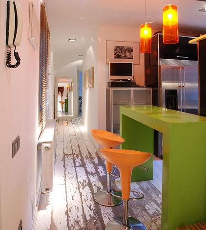 Contemporary Hall by Isolina Mallon Interior Design