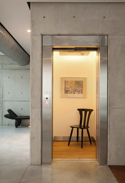 Contemporary Hall by Elad Gonen