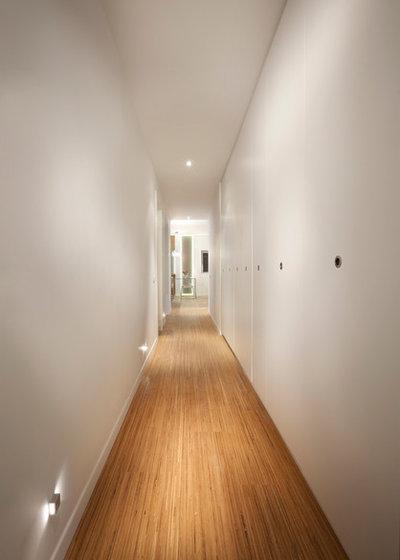 Modern Hall by Elad Gonen