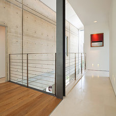 Modern Hall by Elad Gonen