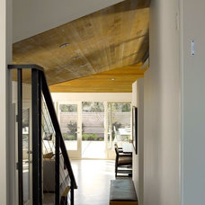 Contemporary Hall by Garret Cord Werner Architects & Interior Designers