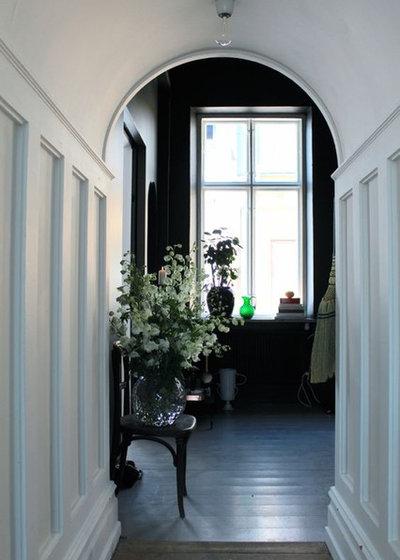 Traditional Hallway & Landing by fabricport.com