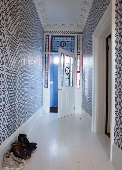Contemporary Hall by Goodchild Interiors
