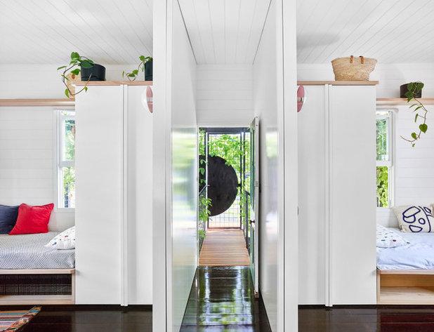 Modern Corridor by JOHN ELLWAY. ARCHITECT