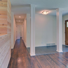 Contemporary Hall by Revamp Residential, LLP