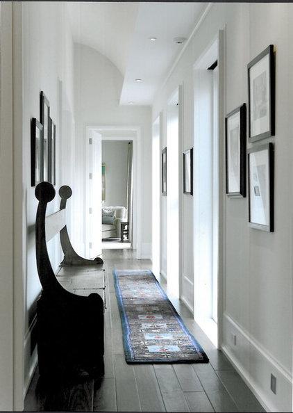 Contemporary Hall by SemelSnow Interior Design, Inc.