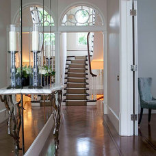 Contemporary Hall by Siobhan Loates Design Ltd