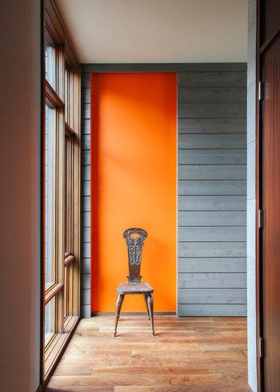 Modern Flur by Prentiss Balance Wickline Architects