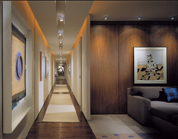 Contemporary Hall by Powell/Kleinschmidt, Inc.