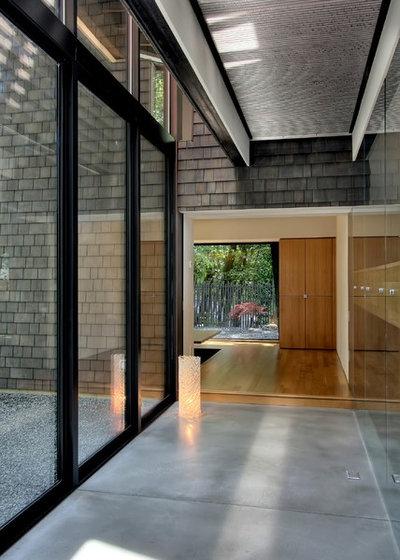 Contemporary Hall by Renzo J Nakata Architects