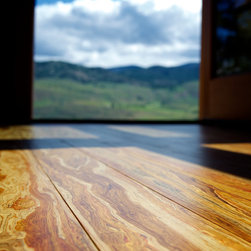 Home in the Okanogan - Strand-Woven Poplar wood flooring. Photo: E.A. Weymuller