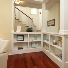 Traditional Hall by StageRight Home Staging