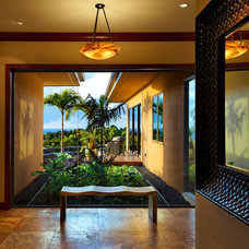 Tropical Hall by Rick Ryniak Architects
