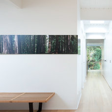 Modern Hall by splyce design
