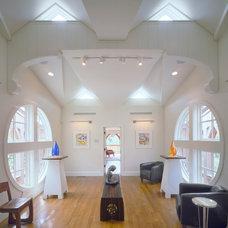 Contemporary Hall by Polhemus Savery DaSilva