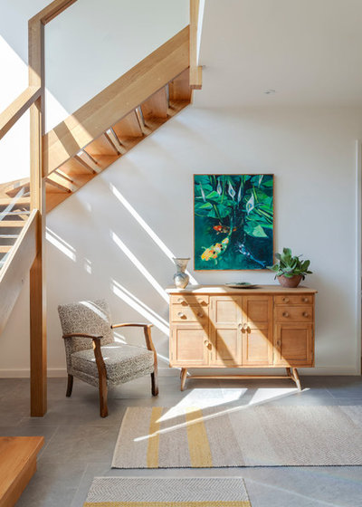 Contemporary Hall by Penton Architects