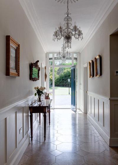 Traditional Hallway & Landing by DMVF Architects